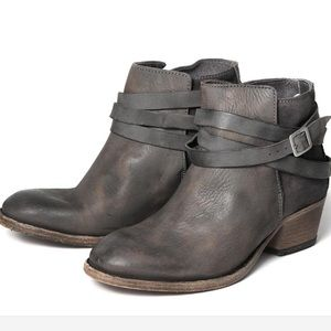 Handcrafted Hudson Smoke Leather Horrigan Booties